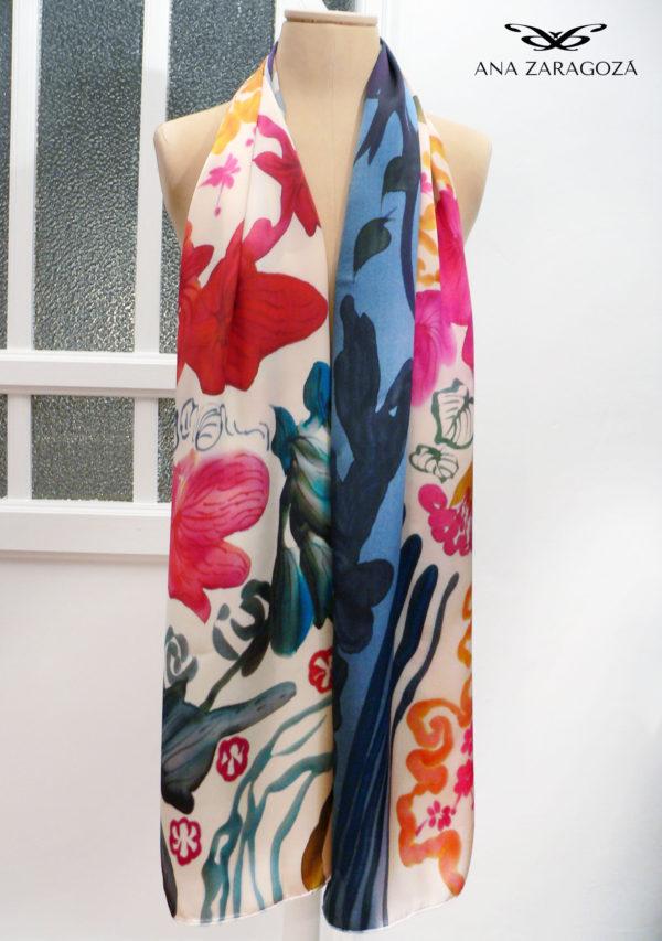 Echarpe Ares exclusivo en seda. Diseño original. Producto de lujo.
